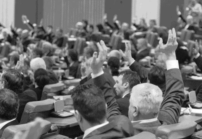 Legile naționale au ajuns monede de schimb pentru interesele personale ale lui Dragnea