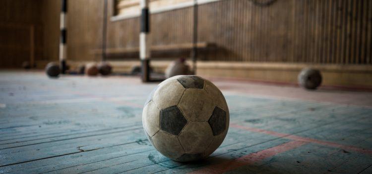 Demolarea bazelor sportive trebuie sancționată