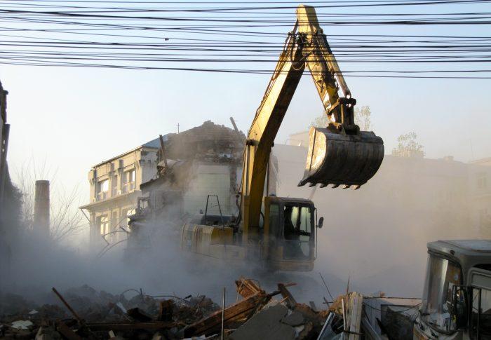 USR a reușit să corecteze Legea specială a exproprierilor, în sprijinul proprietarilor evacuați din case