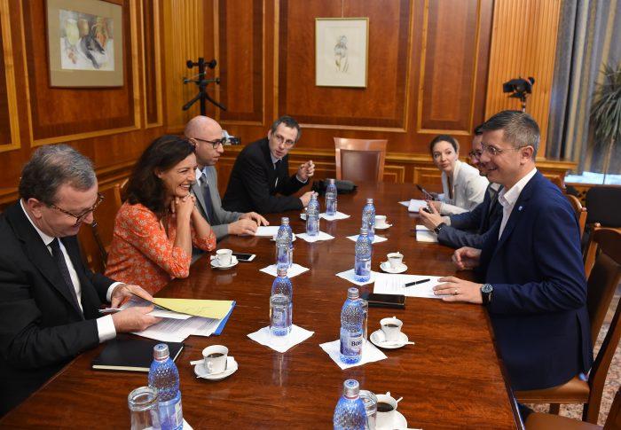 Președintele USR Dan Barna, întâlnire cu deputații La Republique En Marche