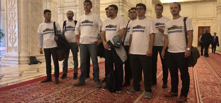 Pedeapsă colectivă pentru grupul USR – Interzis la primit vizite în Parlament