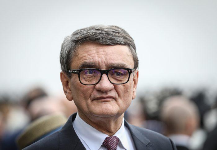 USR îi cere Avocatului Poporului să atace la CCR ordonanța privind data referendumului