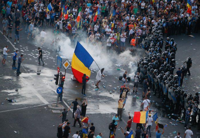 Scăparea șefilor Jandarmeriei de răspundere pentru 10 august, un nou eșec al guvernării PNL