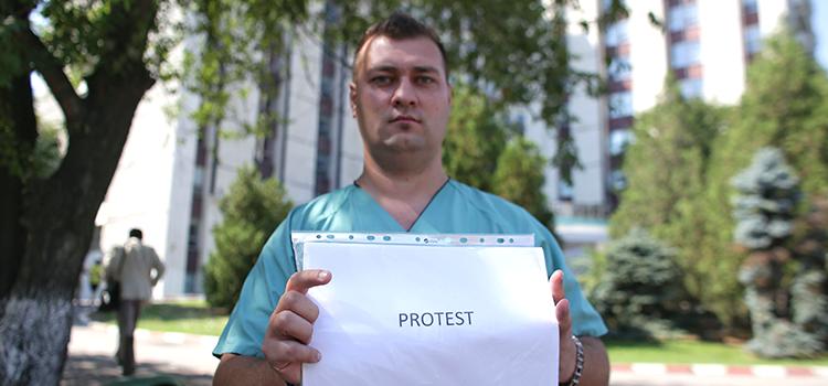 Sistemul sanitar precar împinge doctorii spre greva foamei. Guvernul, responsabil de găsirea unor soluții imediate