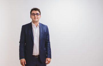 Primul Birou parlamentar digital din România va fi lansat joi la Craiova de deputatul USR Adrian Prisnel