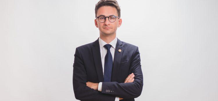 Deputatul USR Iulian Bulai solicită audierea șefei TVR, Doina Gradea, în cadrul Comisiei pentru Cultură