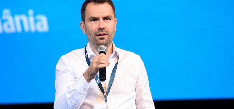 Candidatul Alianței USR PLUS la alegerile prezidențiale, ținta unei campanii online de defăimare. Dosarul a ajuns la Facebook Europa
