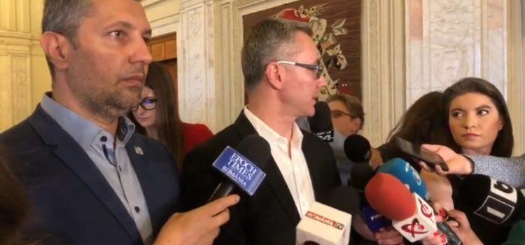 USR solicită urgentarea depunerii moțiunii de cenzură și invită Opoziția la discuții