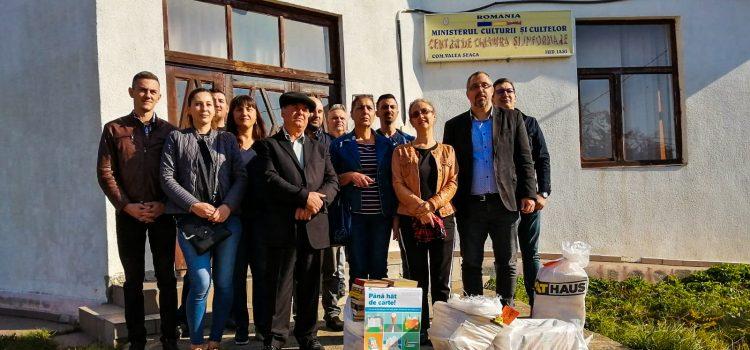 Senatorul USR Dan Lungu a ajuns în comuna Valea Seacă: peste 900 de cărți au fost donate bibliotecii școlare