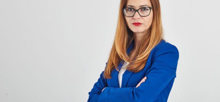 """Senatorii USR au votat pentru decuplarea fabricii de sinecuri """"Academia Oamenilor de Știință din România"""" de la banii publici"""
