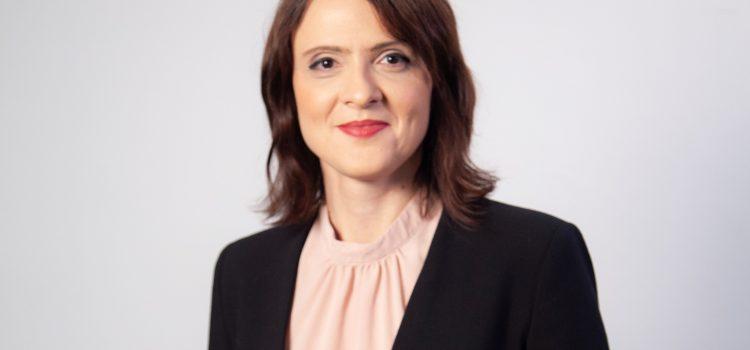 Silvia Dinică: Accesul la educație ar putea rămâne preferențial și după achiziționarea celor 250.000 de tablete