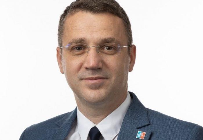Deputatul USR PLUS Alin Apostol a depus proiectul pentru instituirea profesiei de asistent în educație timpurie
