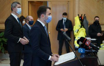 """Dan Barna și Cătălin Drulă, la deschiderea Pistei 2 a Aeroportului Otopeni: """"Bugetul prevede investiții fără precedent în ceea ce privește componenta de infrastructură"""""""