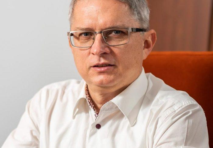 USR PLUS va contesta la CCR alegerea fostului senator PSD Gabriel Botnariu în funcția de președinte al Consiliului de monitorizare a implementării Convenției privind drepturile persoanelor cu dizabilități