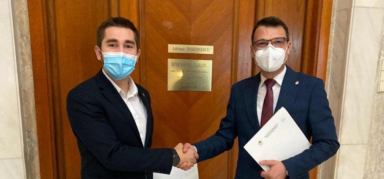 Proiect USR PLUS pentru ca Jandarmeria Română să aibă atribuții să lupte cu mafia lemnului
